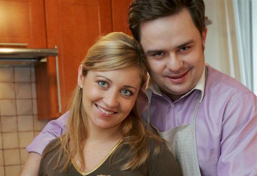 Poseł PiS tłumaczy się z 2-letniej nieobecności żony w pracy