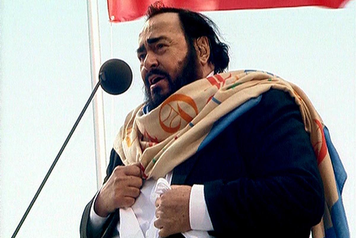 EFEKAT SUPERZVEZDE Kako je Pavaroti uspeo da bude jedinstven i zaradi 500 miliona dolara iako je bio samo NEZNATNO BOLJI od svog kolege