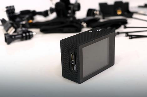 Denevr ACK-8058W dolazi sa kompletnom dodatnom opremom