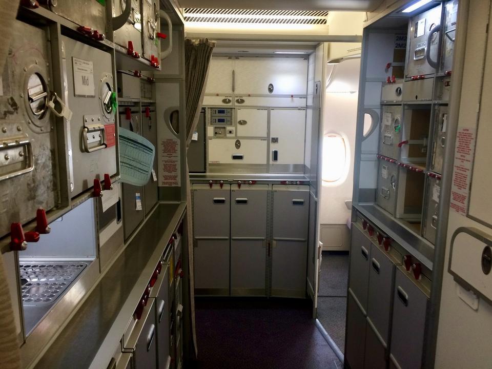 Załoga przechowuje tu m.in. catering na czas lotu.