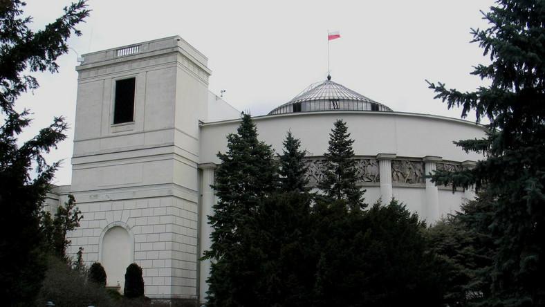 PO atakuje PiS: Za rządów Kaczyńskiego na kolei było gorzej