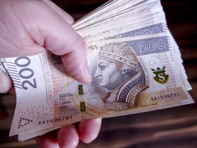 Polacy wzięli kredyty mieszkaniowe na mniejszą wartość