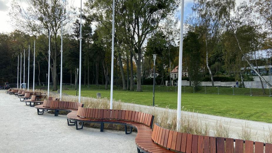 Przebudowa skweru Arki Gdynia. Zdjęcia przed i po