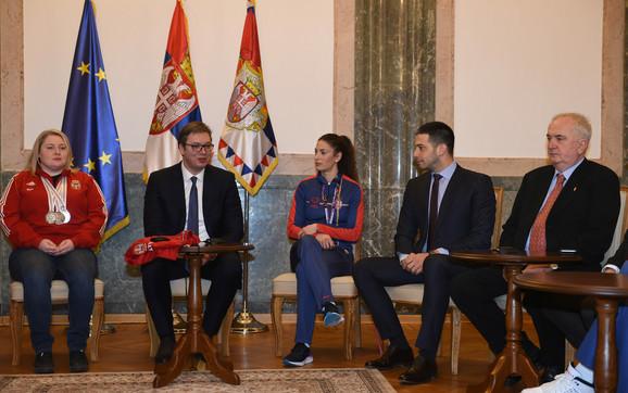 Zorana Arunović, Aleksandar Vučić, Ivana Španović, Vanja Udovičić i Božidar Maljković