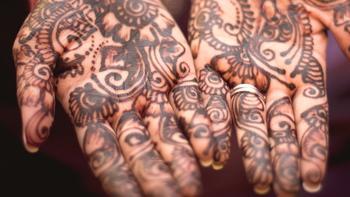 Gestickte Tattoos Nach Gesichtstattoos Sind Aufnaher Motive Im