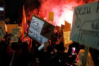 """Strajk Kobiet: W piątek """"Na Warszawę!"""". Czwartek pełen lokalnych protestów"""