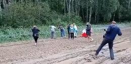 Znów gorąco na granicy z Białorusią. Grupa aktywistów przecinała zasieki. Interweniowała Straż Graniczna, 13 osób zatrzymanych
