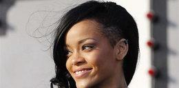 Rihanna znów zmieniła kolor włosów. Jest teraz...