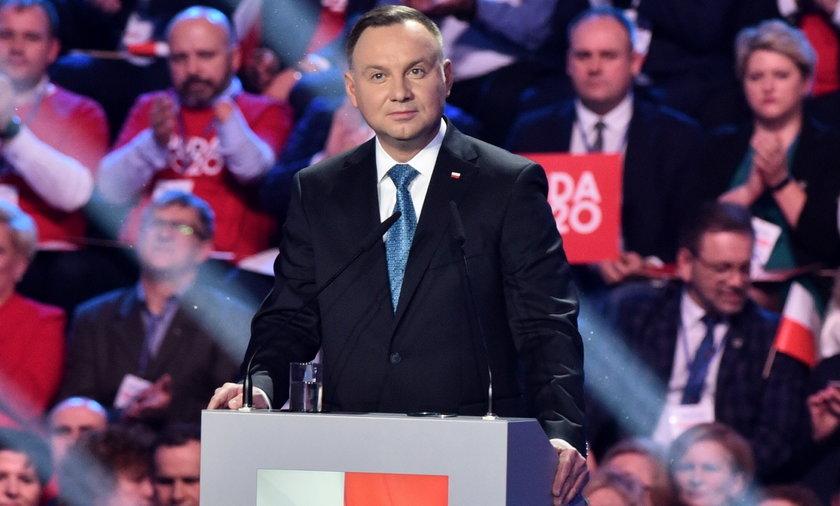 Skandaliczna okładka z Andrzejem Dudą na Białorusi.