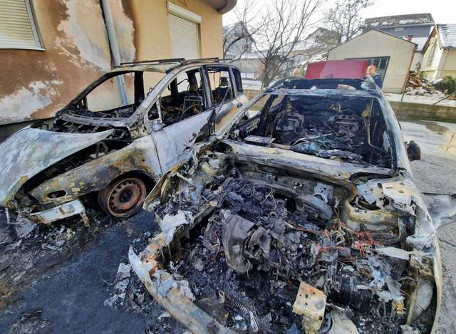 kragujevac zapaljeni automobili 5 foto RAS Nebojsa Raus