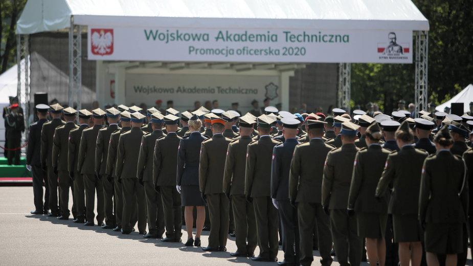 Akt oskarżenia wobec dwóch wykładowców po śmierci studenta Wojskowej Akademii Technicznej