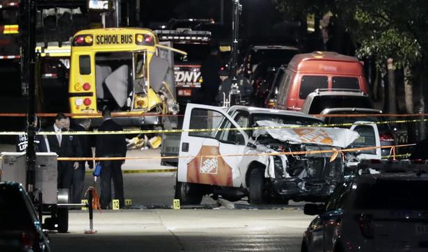Atak na Manhattanie. Furgonetka, której sprawca użył do ataku