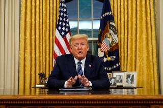 Pandemia koronawirusa: Trump zamyka USA. Zakaz przyjazdu z Europy