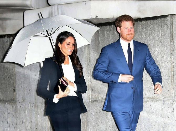 Megan je ponovo modno briljirala, ali kraljici Elizabeti se OVAJ ODEVNI KOMAD nikako neće dopasti