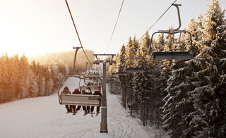 Stacje narciarskie szacują straty. Każdy dzień zamknięcia to brak 5 mln zł