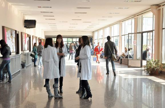 Studenti Medicinskog fakulteta u Novom Sadu