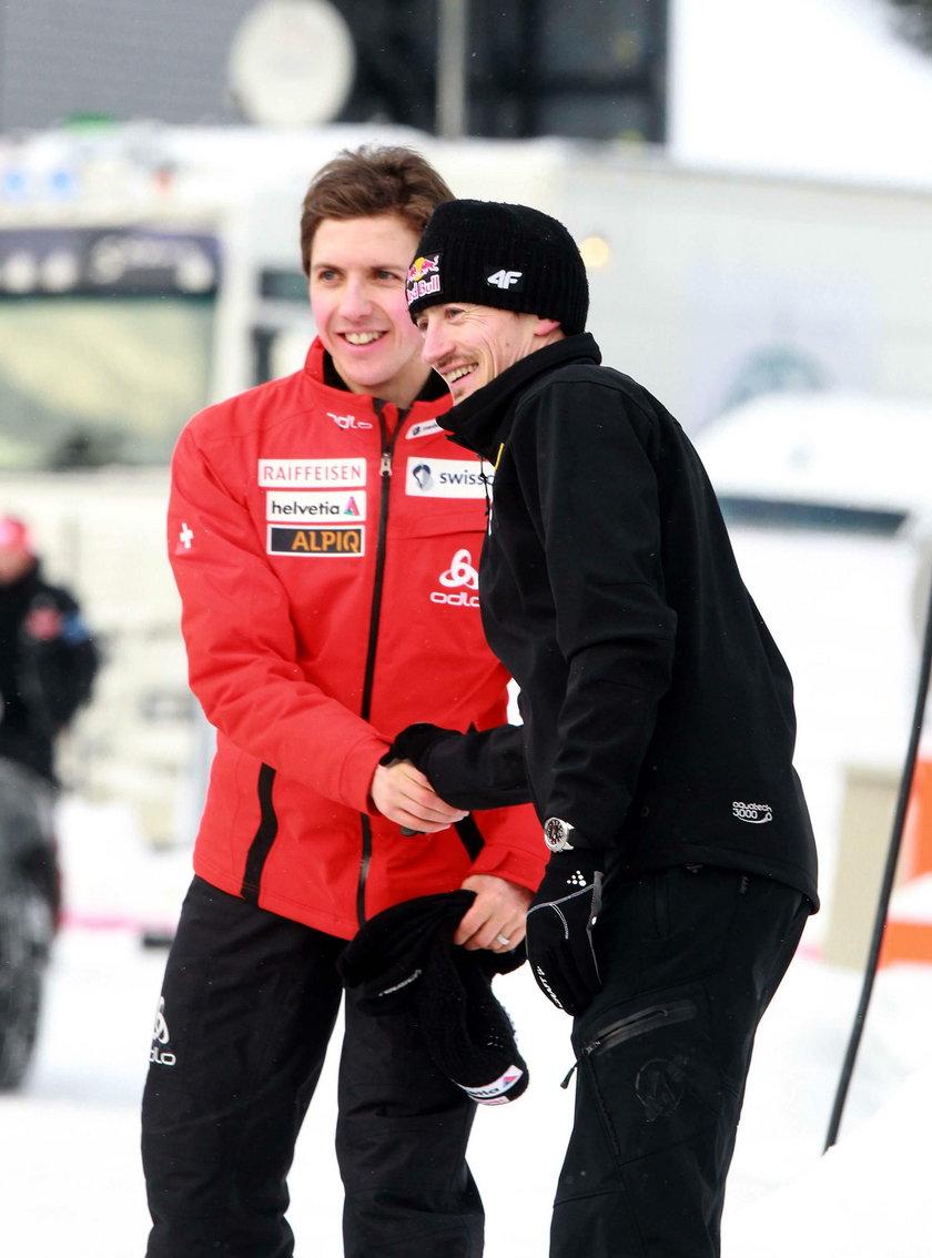 Kibice skoków narciarskich przez długie lata emocjonowali się walką Adama Małysza z Simonem Ammannem.