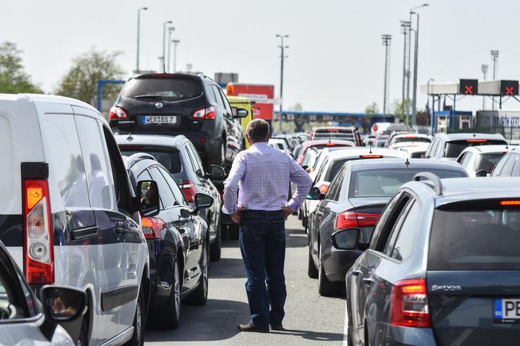 Batrovci  guzve na granicnom prelazu foto Nenad Mihajlovic