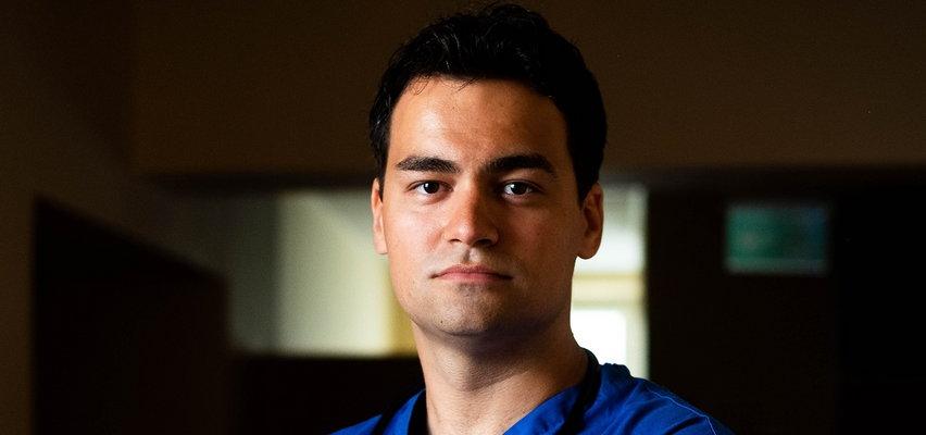 Znany lekarz terroryzowany przez antyszczepionkowców. Po pracy przebierał się, by go nie rozpoznano. Dostał policyjną ochronę
