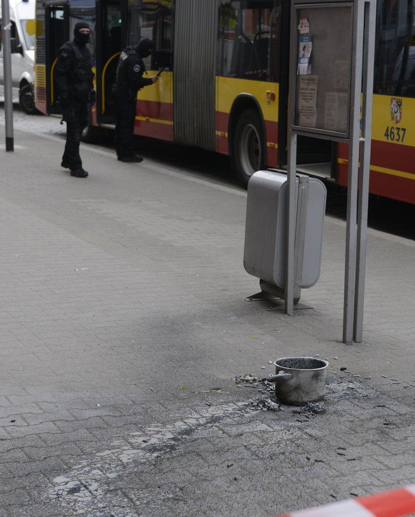 Domowej roboty szybkowarowa, która miała eksplodować w autobusie we Wrocławiu