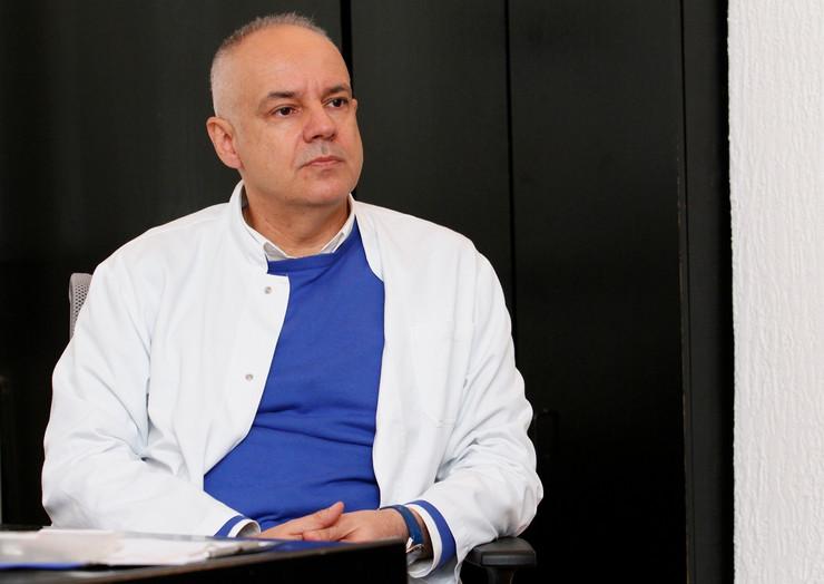 beba kancer01 dr Zoran Radojičić oto V Zivojinovic