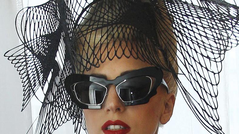 Lady Gaga jest niska i szczupła: przy wzroście 155 centymetrów waży koło 45 kilo