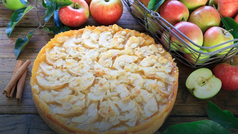 Tarta Z Jablkami Prosty Przepis Na Pyszny Deser Onet Gotowanie