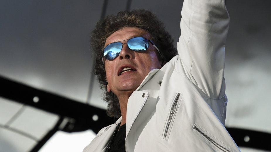 Janusz Panasewicz podczas koncertu w Międzyzdrojach (2019 r.)