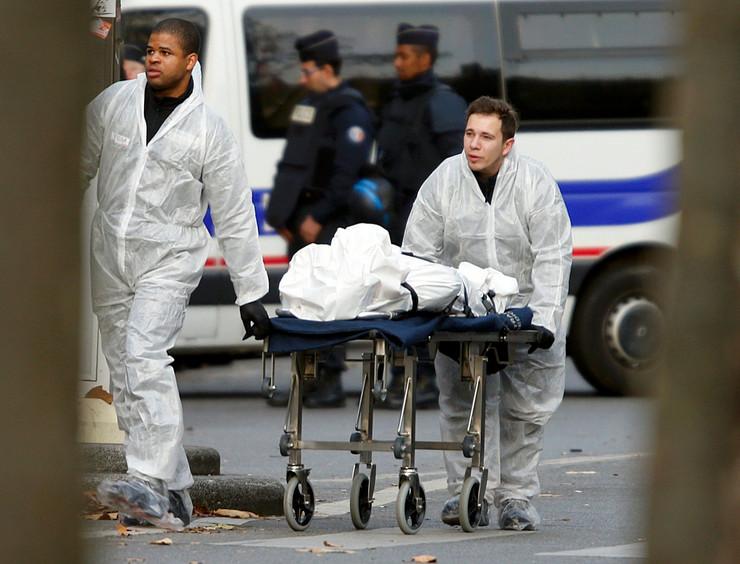 U sinhronizovanim napadima ubijeno najmanje 129 ljudi