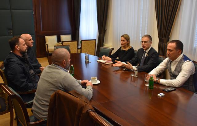 Nebojša Stefanović sa predstavnicima Asocijacije veterana