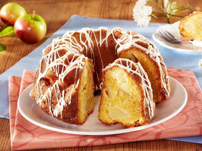 Mekani kolač sa jabukama koji vraća u DETINJSTVO: Neverovatno UKUSAN, a pravi se od NAJJEFTINIJIH sastojaka!