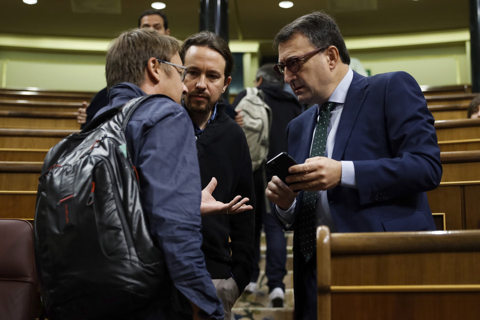 SPAIN GOVERNMENT CATALONIA REFERENDUM (Question time at parliament in Madrid)