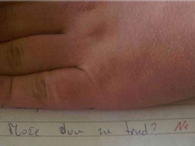 Kristijan je zamolio učiteljicu za dvojku, a kad je pročitala njegov sastav OSTALA JE U ŠOKU: Cela država bruji o ovoj temi - da li je JEDINICA OPRAVDANA?