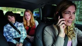Rozmowa przez telefon za kółkiem - niebezpieczna?
