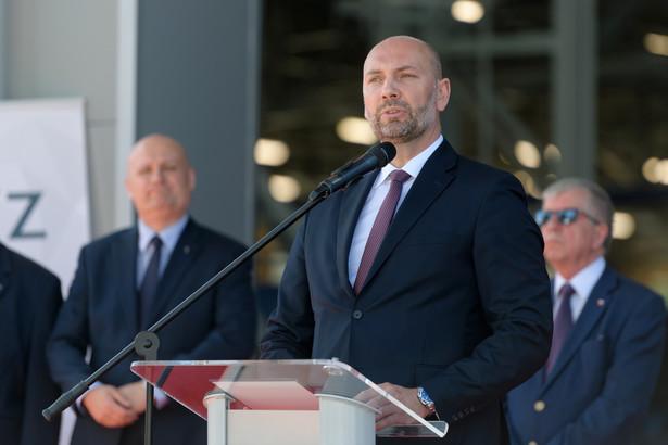 Jeszcze w poprzedni weekend Sebastian Chwałek był wiceprezesem w Polskiej Grupie Zbrojeniowej.