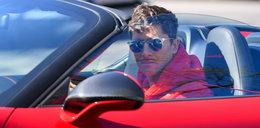 Lewandowski na treningu. Zajechał czerwonym kabrioletem , a czarował nową... fryzurą!