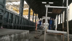 W fabryce powstaje większość elementów wykorzystywanych do produkcji pociągów i lokomotyw. Stalowa blacha jest profilowana, wycinana laserowo, a poszczególne elementy są spawane w większe segmenty i łączone ze sobą.