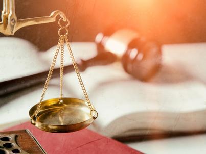 Sąd arbitrażowy może rozstrzygać we wszystkich sporach o prawa majątkowe lub niemajątkowe, które mogą być przedmiotem ugody sądowej, z wyjątkiem spraw o alimenty