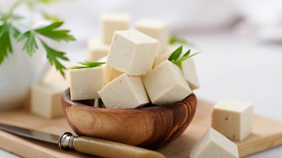 Przejście na dietę roślinną nie musi oznaczać rezygnacji z ulubionego smaku mięsa