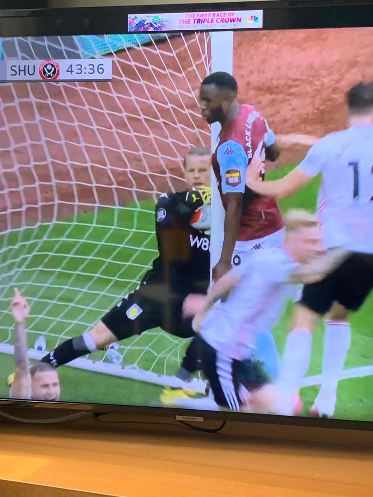 Aston Vila, poništen gol
