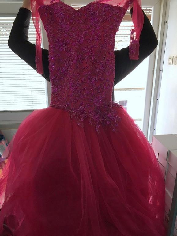 Jedna od zaplenjenih haljina