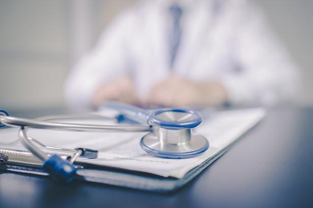 Z danych przekazanych przez ZUS wynika, że od 1 do 7 grudnia lekarze w całym kraju wystawili ponad 450 tys. zwolnień elektronicznych, zaś tylko w czwartek do ZUS wpłynęło blisko 83 tys. e-ZLA.