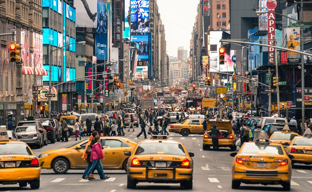 Nowy Jork i New Jersey są jednymi z pięciu stanów, które według Uniwersytetu Johnsa Hopkinsa w ciągu ostatnich siedmiu dni odpowiadają w Ameryce za 44 proc. wszystkich nowych zakażeń koronawirusem.