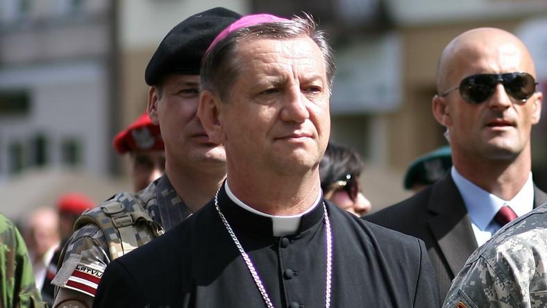 Biskup Józef Guzdek