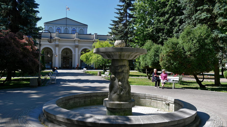 Park Zdrojowy i sanatorium Marconi w kurorcie senatoryjnym w Busku-Zdroju