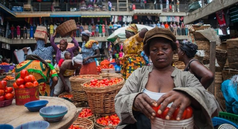 Traditional measurements in the Nigerian open-air markets. [grain]