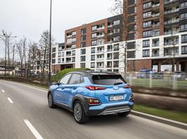 Hyundai Kona 1.6 Hybrid – robi dobre wrażenie – TEST
