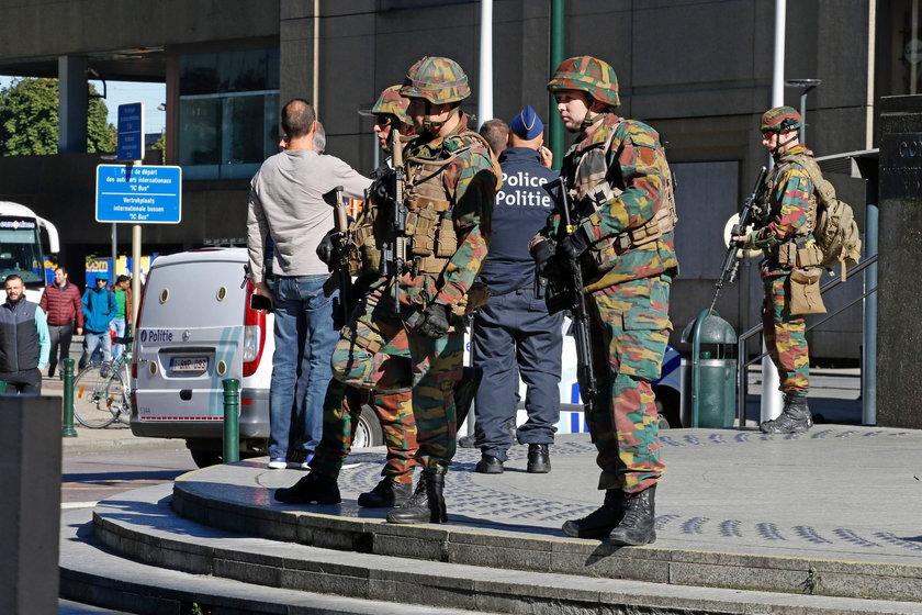 Atak nożownika w Brukseli. Ranni dwaj policjanci