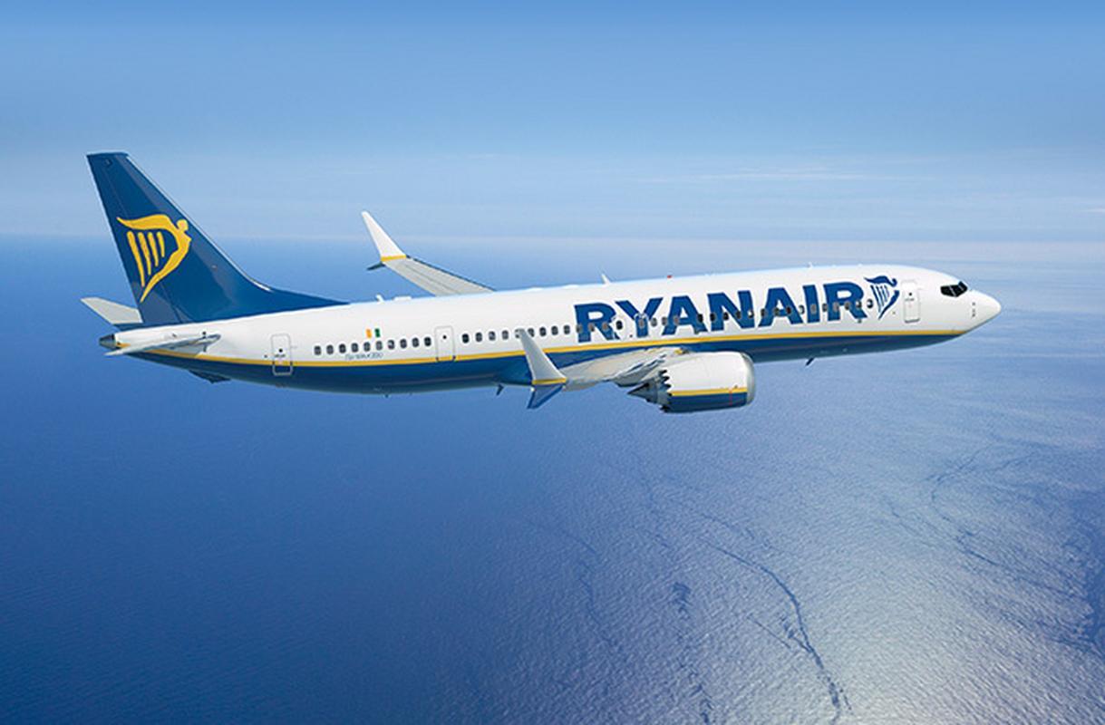 Boeing 737 MAX 200 w barwach Ryanair.