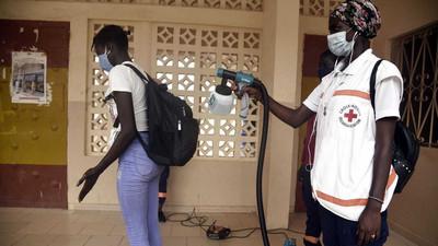 Succès silencieux du Sénégal face à la Covid-19: résultats des tests en 24 heures, contrôles de température dans chaque magasin, pas de bagarre pour les masques